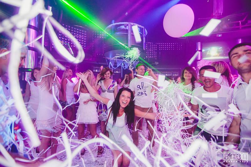 ночной клуб вечеринка белая