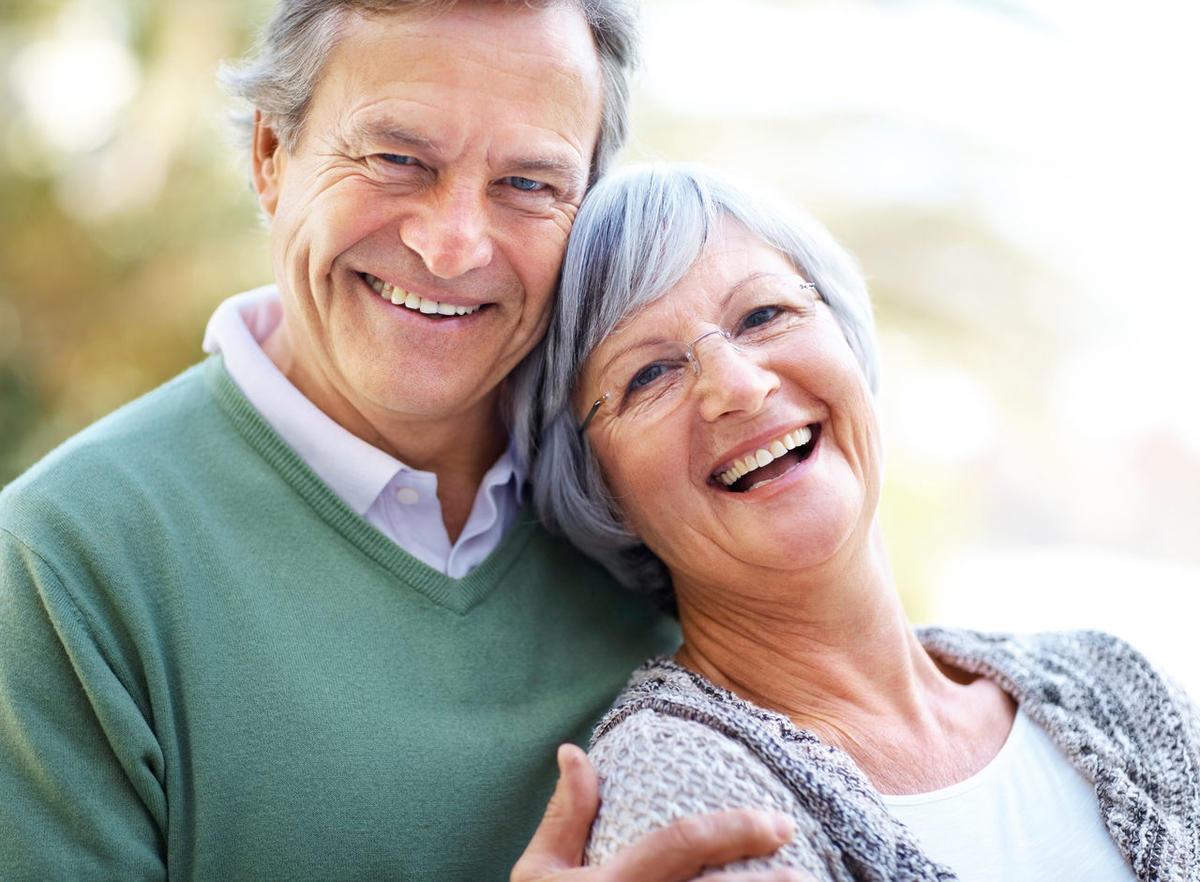 картинки на тему пенсионеры выбрать розы фото