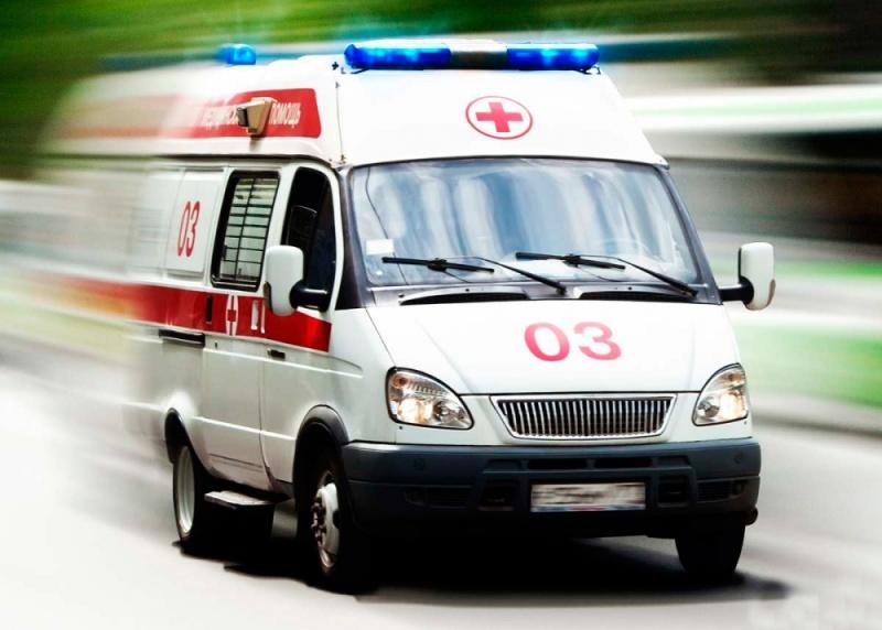 НаЛенинском проспекте вПетербурге случилось жуткое ДТП, имеется пострадавший