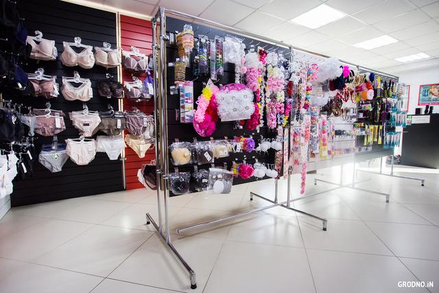 Магазины женского белья гродно геев трахают в женском белье фото